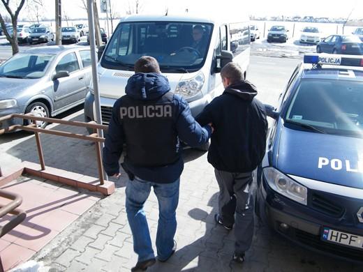 Wieści Skierniewice - wyłudzali kredyty